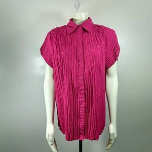 *New Listing*east 5th Magenta Short-sleeve Blouse